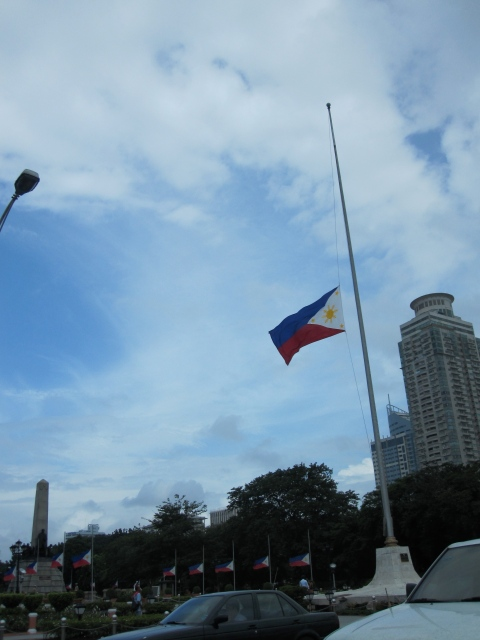 Flags in Luneta at half staff